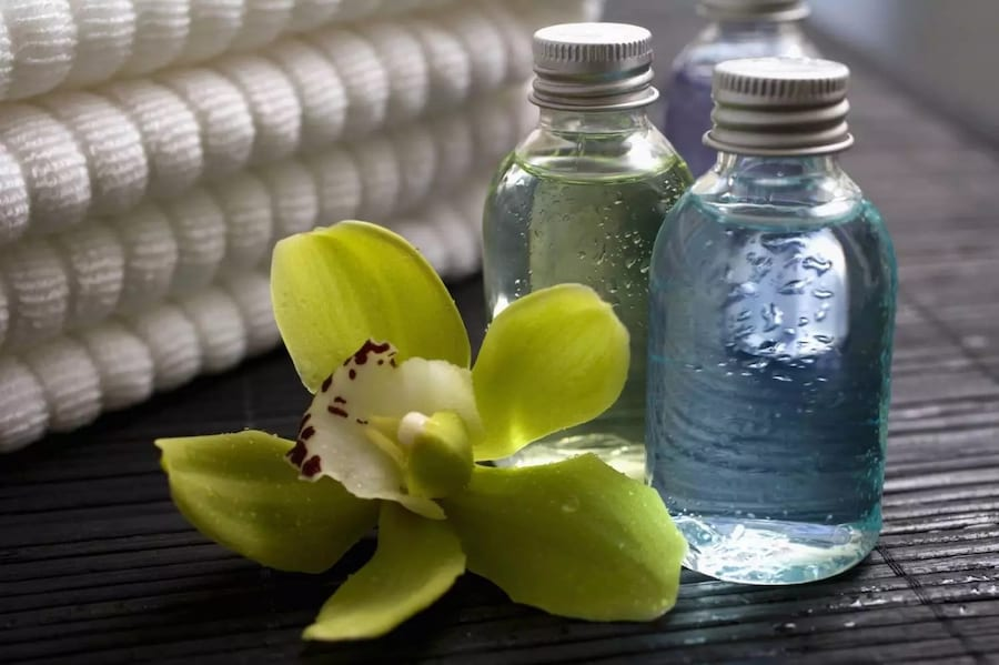 Glycerin for the face: the benefits and harm